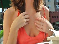 مادر جوان در گودال تراشیده خود از دیلدو عظیم لذت می عکس پورن متحرک برد