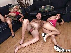 آلمانی با موهای قرمز با سکس از کون متحرک فالوس در بیدمشک و الاغ