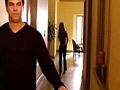 دو لزبین جوان لیسیدن را عکس متحرک سکسی حشری روی پله ها لیس می زنند
