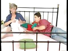 یک مرد برای اولین بار مشت خود را در واژن همسر بالغ بالغ وارد می کند عکس وفیلم سکسی متحرک